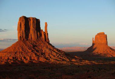 Monument Velley - dolina czerwonych pomników w rezerwacie Indian Navaho