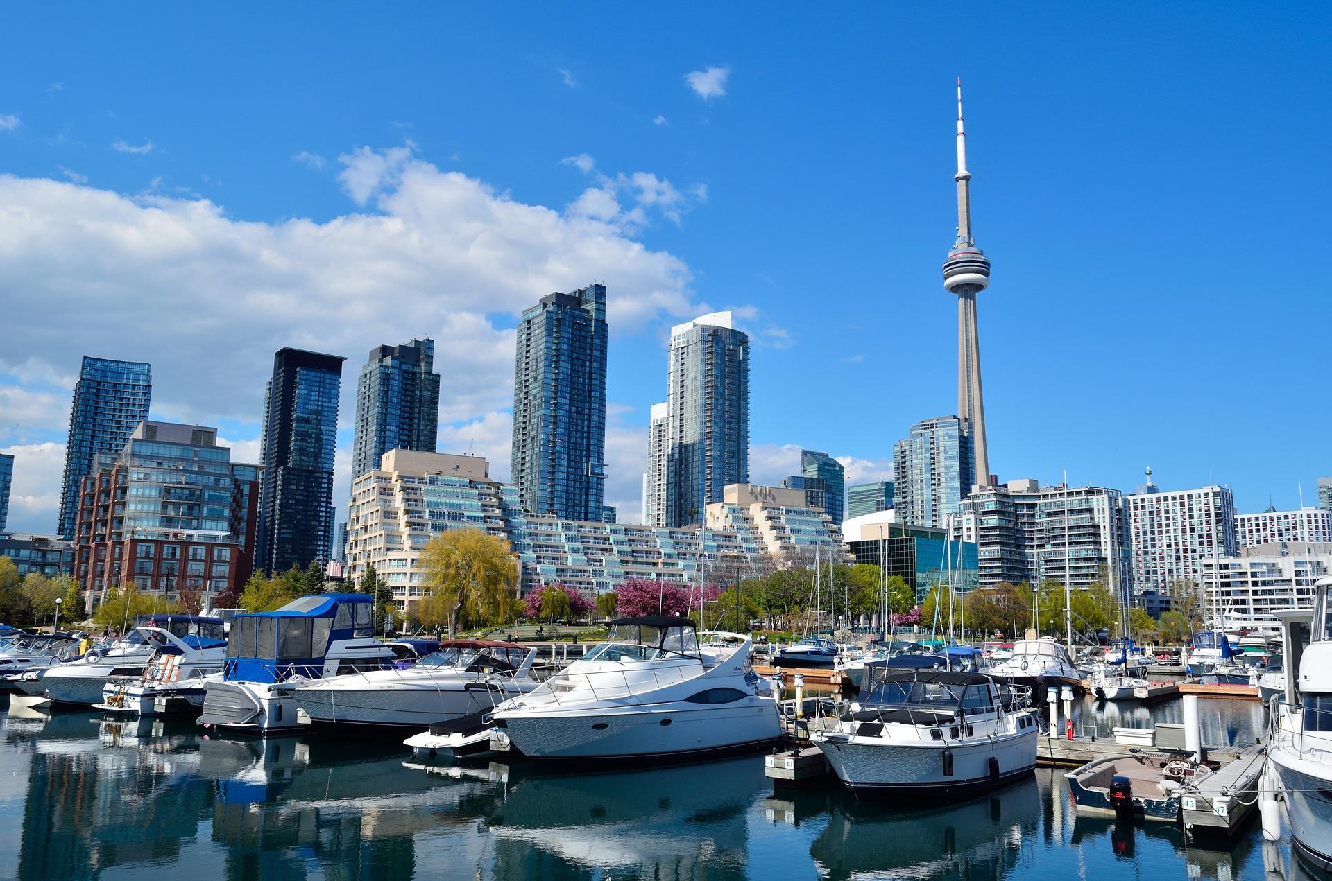 Toronto największe miasto Kanady położone na północno-zachodnim brzegu jeziora Ontario