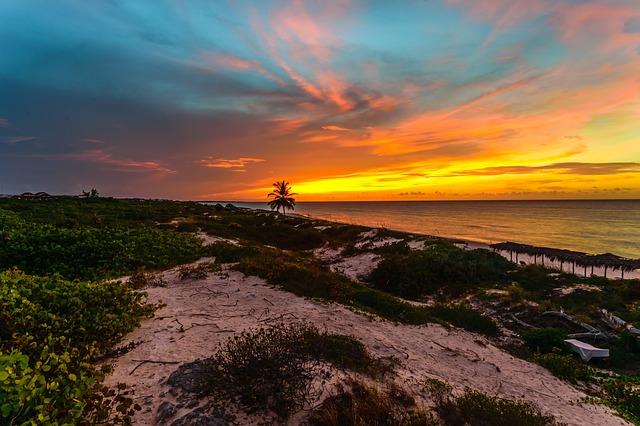 Kuba. Zachód słońca nad Oceanem Antlantyckim